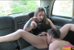 Fingering and licking pussy in a taxi