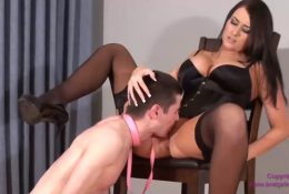 Virgin Slave First Time Eating Pussy