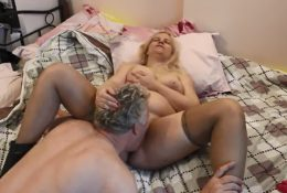 Russian MILF getting cunnilingus from british lover