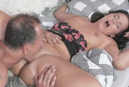 Milf shudders from the pleasure of licking pussy