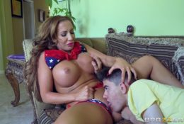 American milf seduced young spaniard licking her cunt
