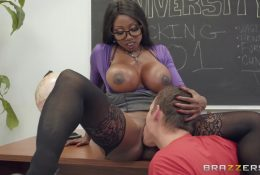 Teacher gives a private lesson on pussy service