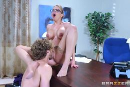 Secretary with glasses gets office pussy licking